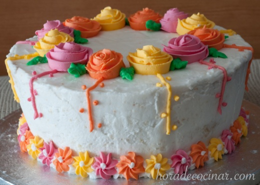 Tarta con rosas de listón de glasa real