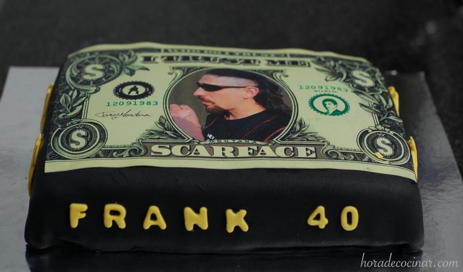Tarta fondant con oblea personalizada de Dólar