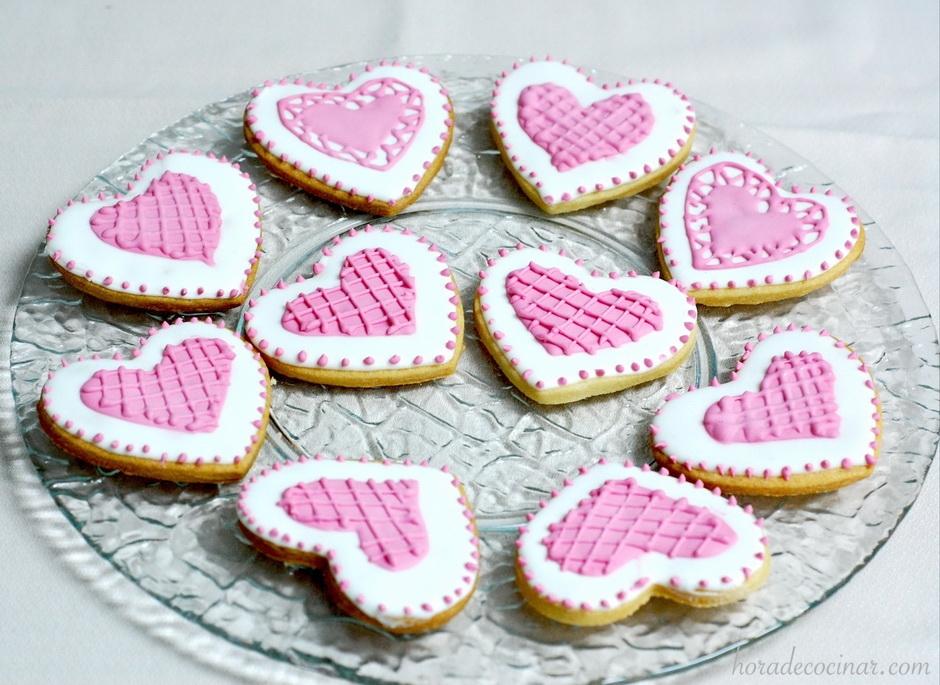 Galletas glasa rosa de San Valentín
