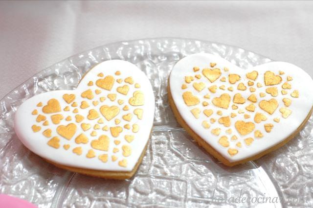 Galletas S Valenti-estarcido blanco-oro 640X425