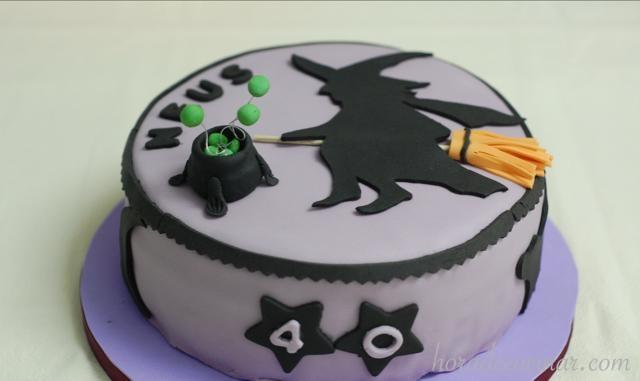 Tarta fondant bruja de cumpleaños