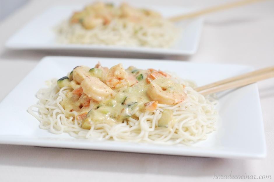 Noodles Thai (Fideos de arroz) con leche de coco