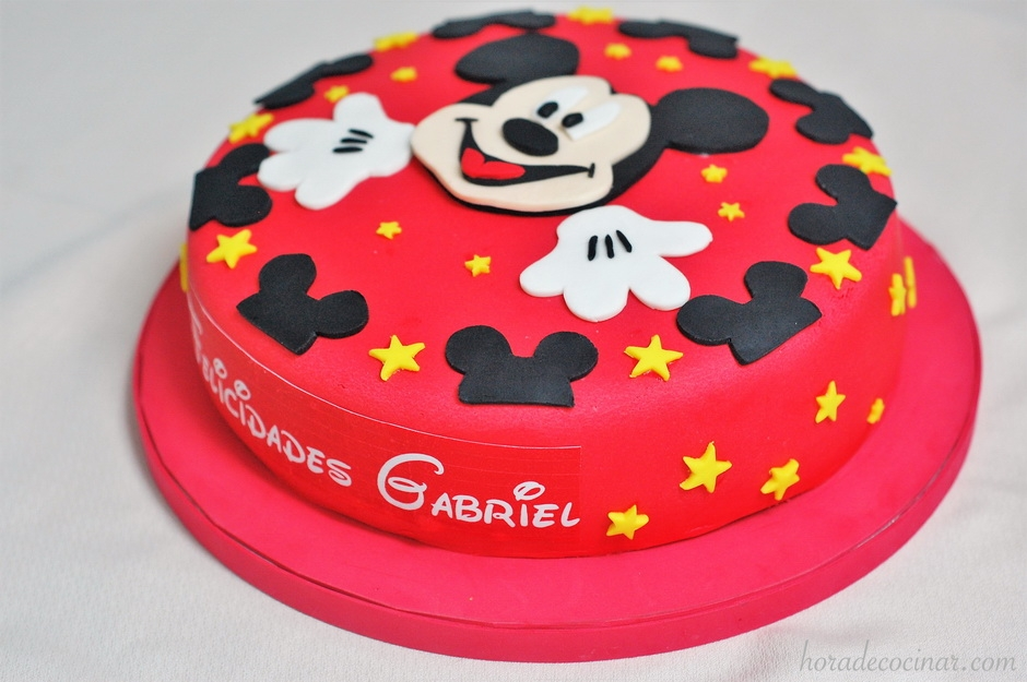 Tarta Mickey lateral (2) 940x625