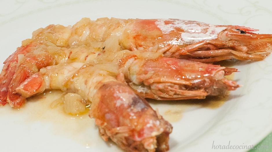 Gambas gratinadas con salsa de vermut
