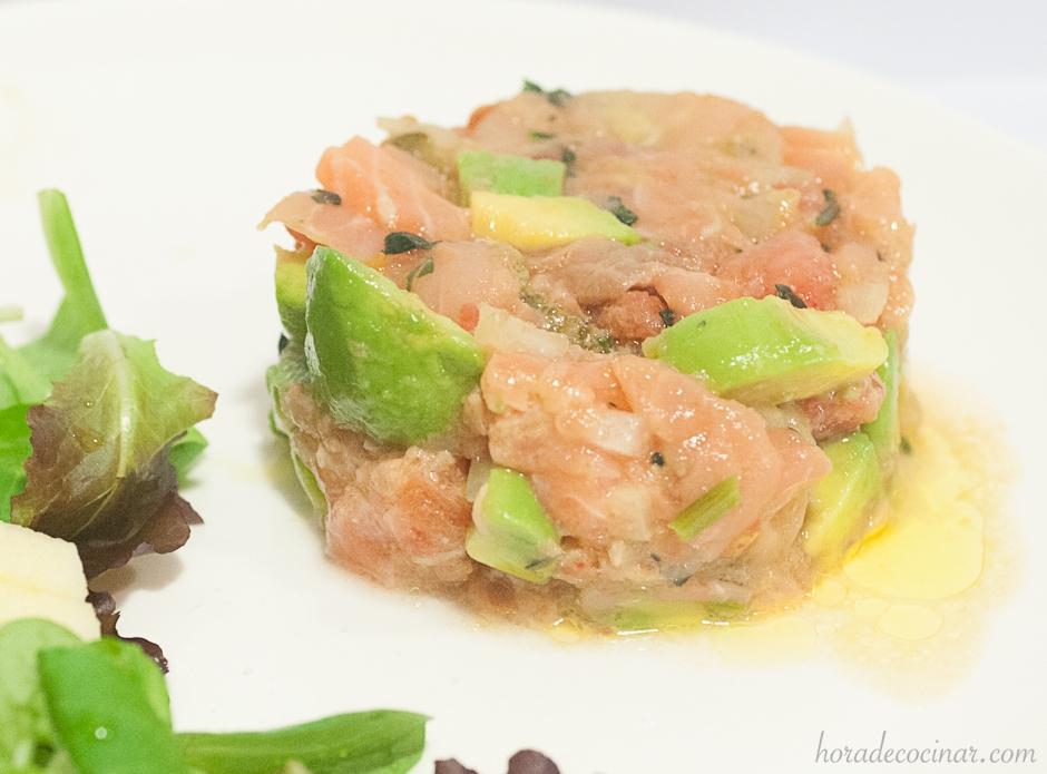 Tartar de salmón con aguacate y tomate