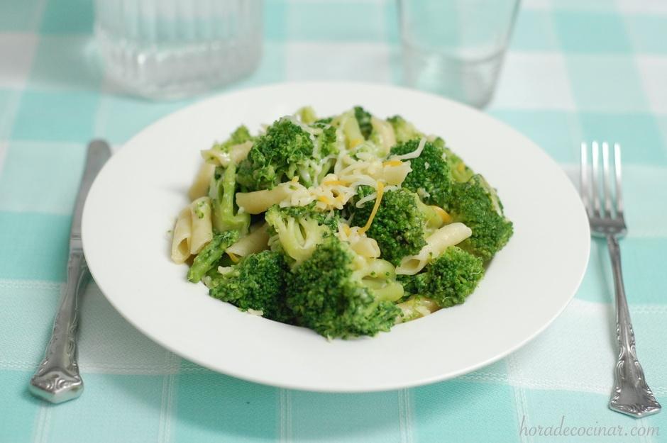Brócoli con pasta para tupper
