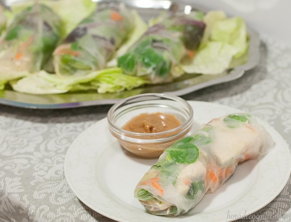Rollitos de primavera thai con oblea de arroz (fresh thai spring rolls)