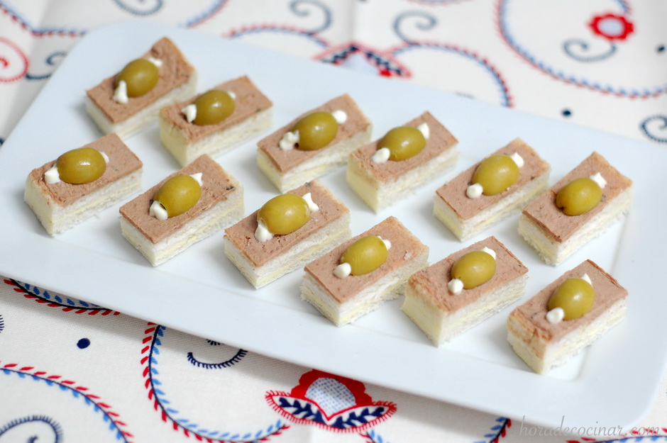 Canapés de paté o foie gras