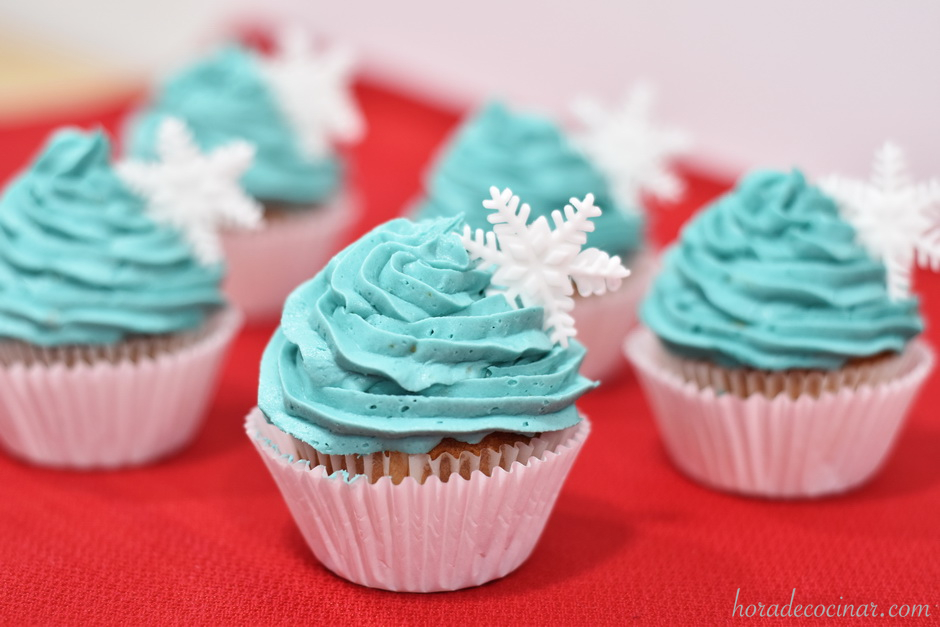 Cupcakes de jijona con copo de nieve