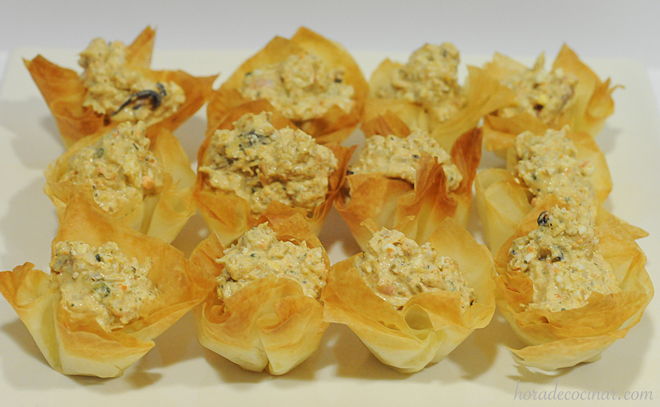 Tartaletas de masa filo rellenas de marisco